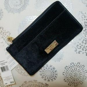 Adrienne Vittadini Velvet Card Wallet